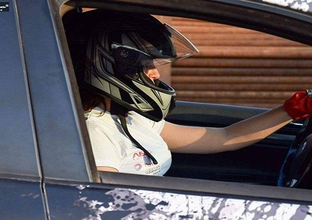 ياسمين سامي أثناء قيادة السيارة