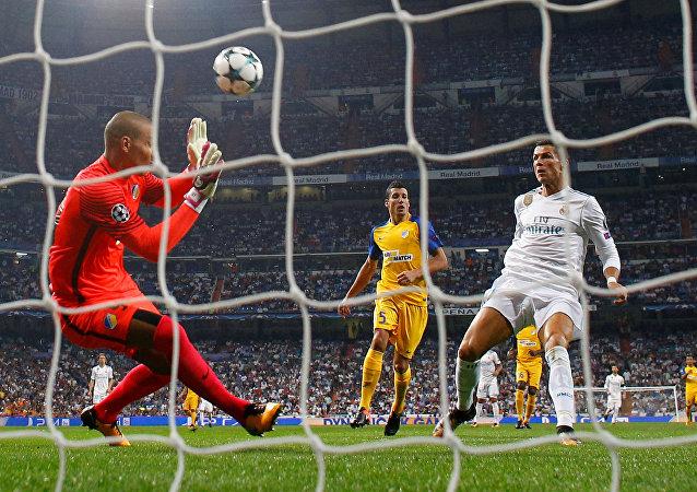 ريال مدريد وأبويل