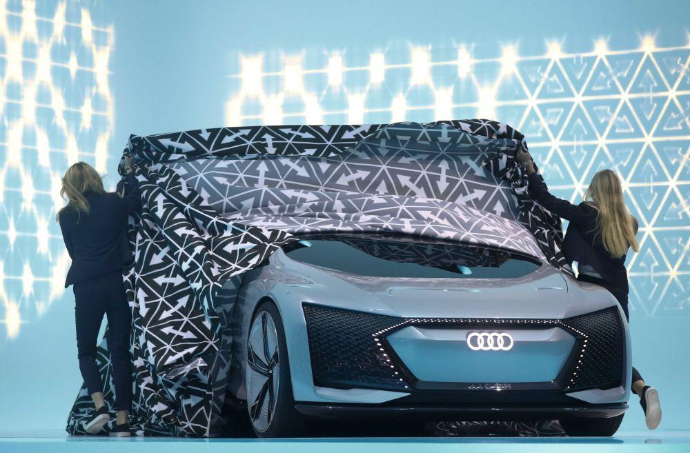 موديل السيارة أودي أيكون في المعرض الدولي للسيارات في فرانكفورت