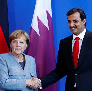 المستشلرة الألمانية أنغيلا ميركل و أمير قطر