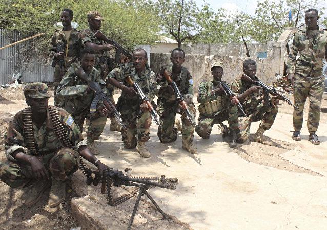 مقتل 9 أشخاص من بينهم مدني بعد اشتباك بالخطأ بين الشرطة والجيش في مقديشو