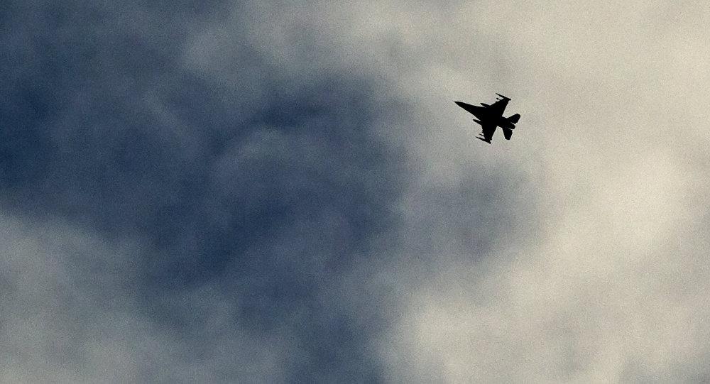 تحطم طائرة ومصرع قائدها بعد عرض جوي فاشل في إيطاليا