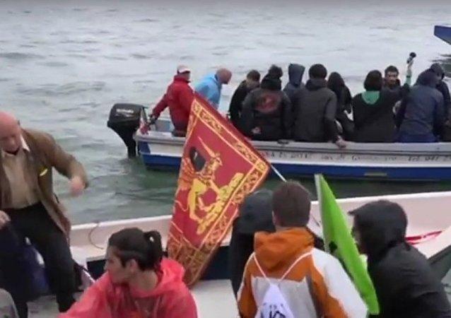 سكان البندقية يتظاهرون ضد الرحلات البحرية