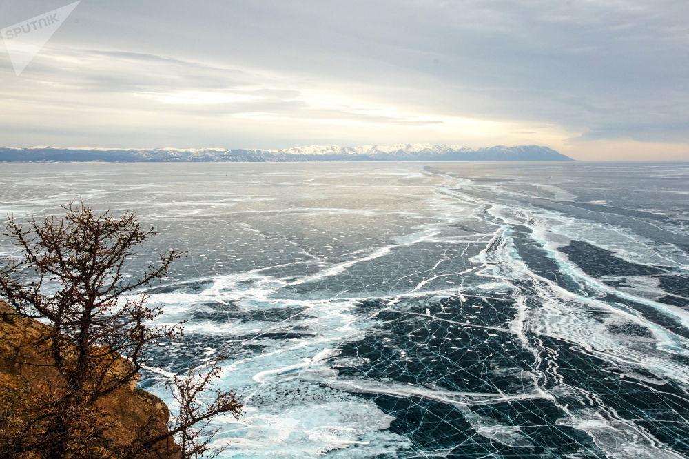 جزيرة أولخون على بحيرة بايكال، روسيا