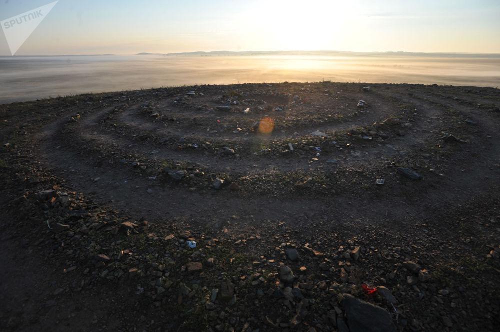 دوامة الرغبات على تلة شامانكا في المحمية التاريخية والثقافية أركيم، روسيا