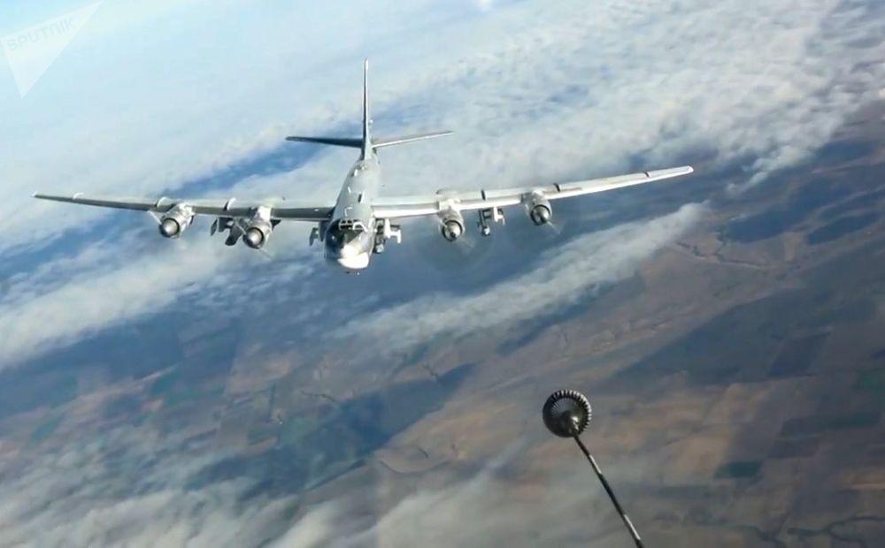 القاذفات الاستراتيجية تو-95 —ام اس توجه ضربات باستخدام صواريخ مجنحة، ضد مواقع المجموعات الإرهابية الدولية في سوريا، 26 سبمتمبر/ أيلول 2017