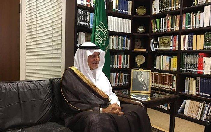 أمير سعودي ينصح صحفيا إسرائيليا بالزواج من عربية