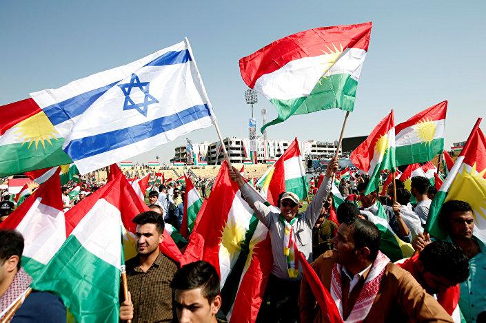 رفع العلم الإسرائيلي في إحدى مظاهرات الأكراد