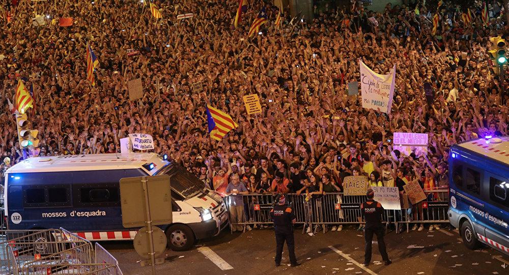 متظاهرون في كتالونيا