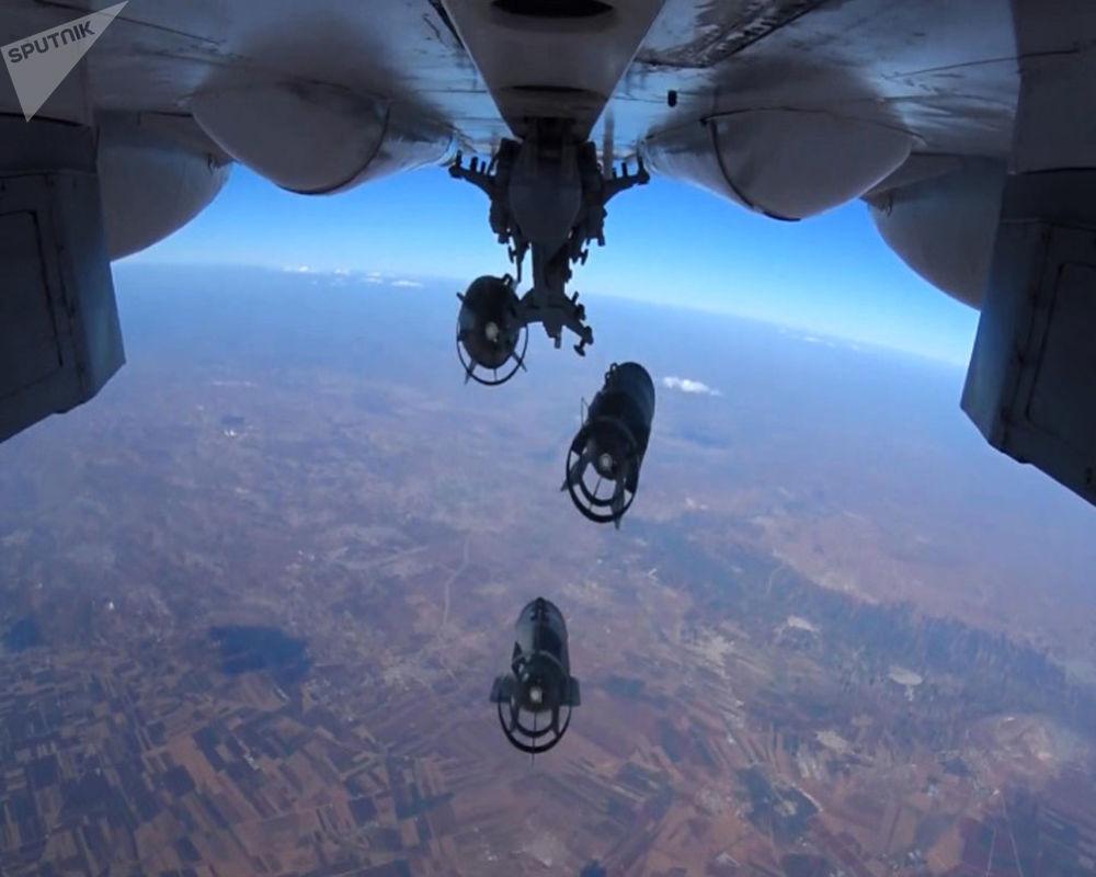 طائرات تابعة للقوات الجوية الفضائية الروسية خلال شن ضربات جوية على مواقع تابعة لتنظيم داعش الإرهابي في سوريا