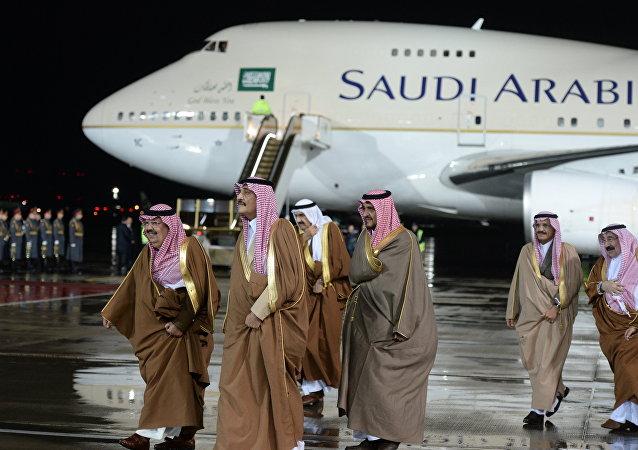 وصول الوفد السعودي إلى موسكو