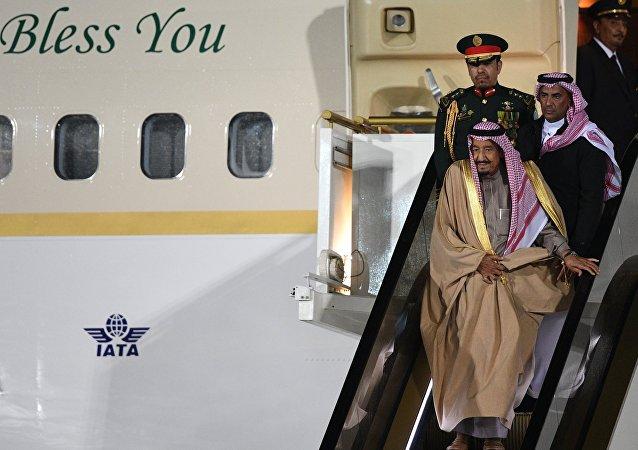 وصول العاهل السعودي، الملك سلمان بن عبد العزيز آل سعود، إلى العاصمة الروسية موسكو