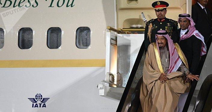 وصول العاهل السعودي، الملك سلمان بن عبد العزيز آل سعود، إلى العاصمة الروسية موسك