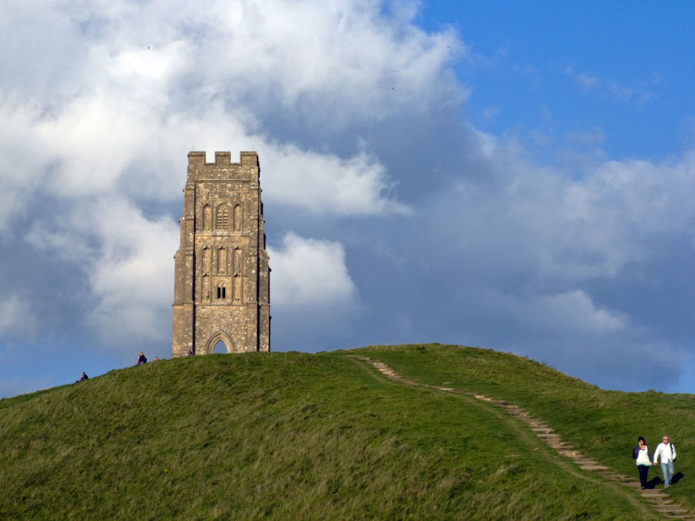 تل القديس ميخائيل في انكلترا