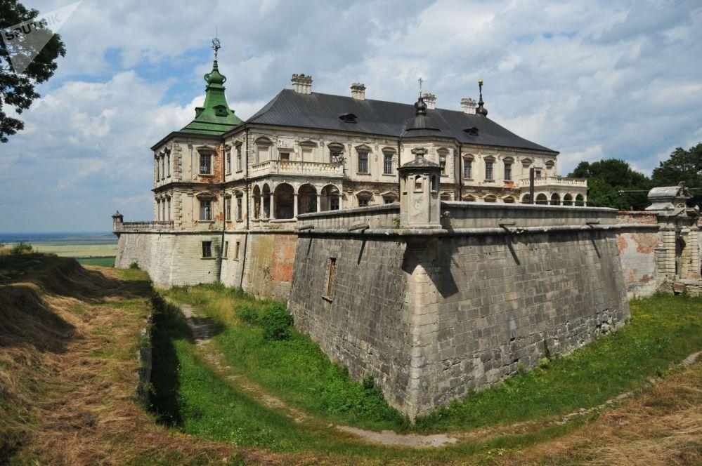 قلعة بودغوريتسكي في ضواحي لفيف، أوكرانيا