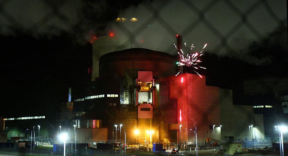 غرين بيس يقتحمون محطة نووية في فرنسا
