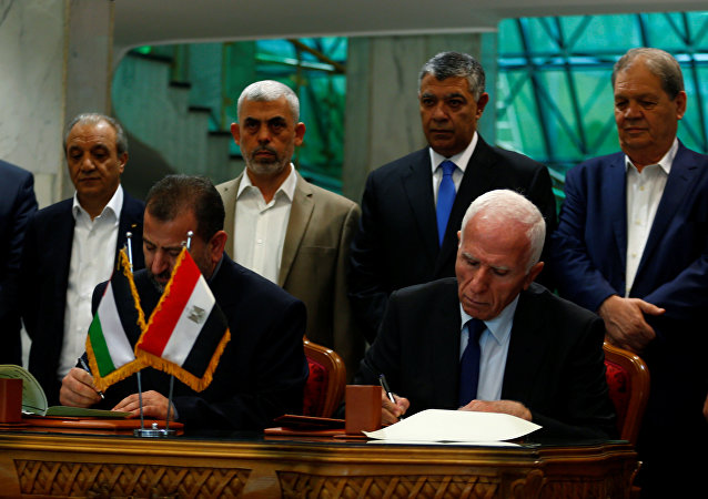 حركتي فتح وحماس توقعان اتفاق المصالحة في القاهرة، مصر 12 أكتوبر/ تشرين الأول 2017