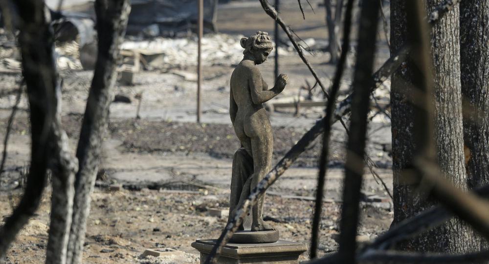 رياح كاليفورنيا تساعد على مواجهة الحرائق
