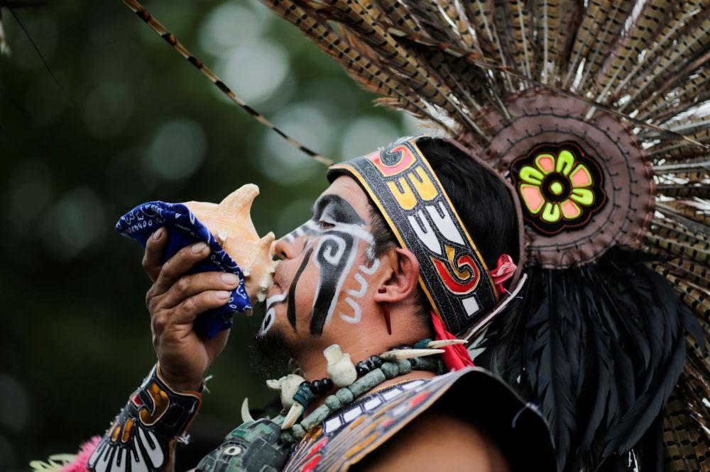 أحد مشاركي مهرجان يوم الشعوب الأصلية في نيويورك، الولايات المتحدة 8 أكتوبر/ تشرين الأول 2017