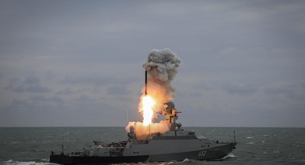 تدريب الأسطول الروسي في بحر قزوين