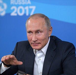 الرئيس الروسي فلاديمير بوتين في المهرجان العالمي التاسع عشر للشباب والطلاب بسوتشي