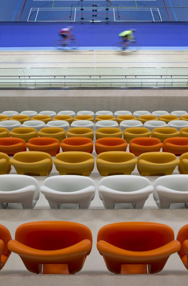 صورة ملعب فيلودروم في ديربي أرينا في بريطانيا للمصور مارتين هاميلتون نايت، المتأهل للنهائي في فئة مباني قيد الاستخدام الاستخدام بيلدينغز إن يوز