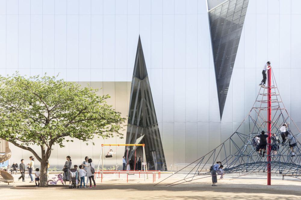 متحف هوكوساي سوميدا في طوكيو للمصور، لاوريان غينيتو، المتأهل للنهائي في فئة التصميم الخارجي