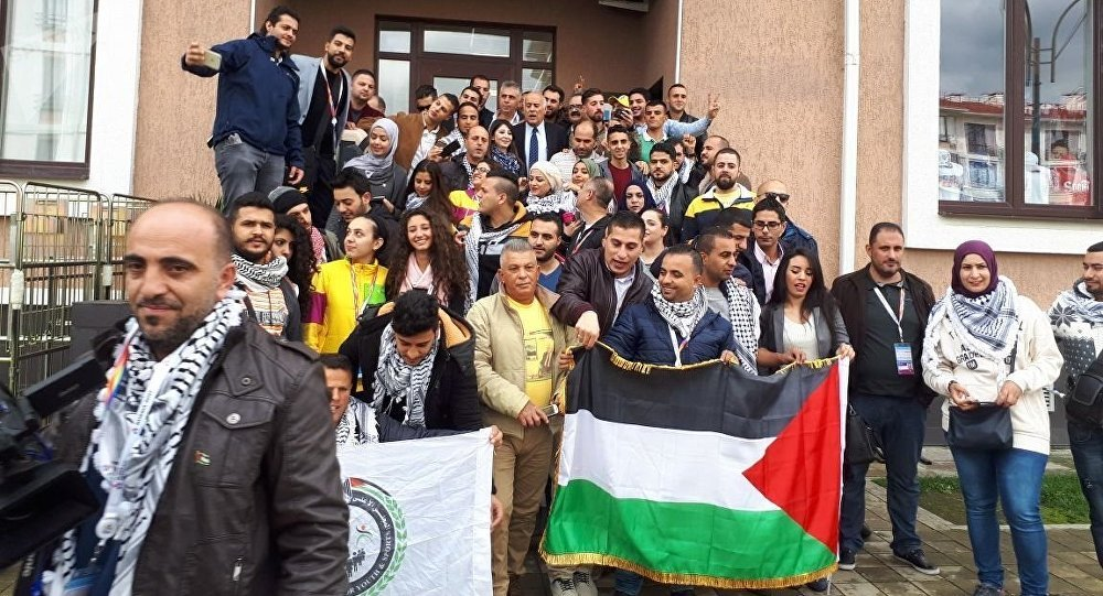 الوفد الفلسطيني المشارك في المهرجان الشبابي الطلابي العالمي في مدينة سوتشي الروسية