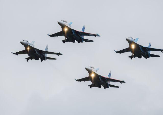 مقاتلات سو-27