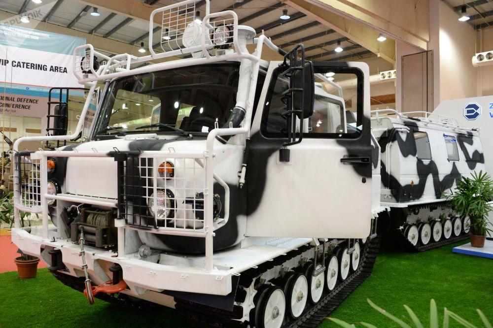 المعرض العسكري الدولي في البحرين (BIDEC-2017) - السيارة المجنزرة غ أ ز-3344
