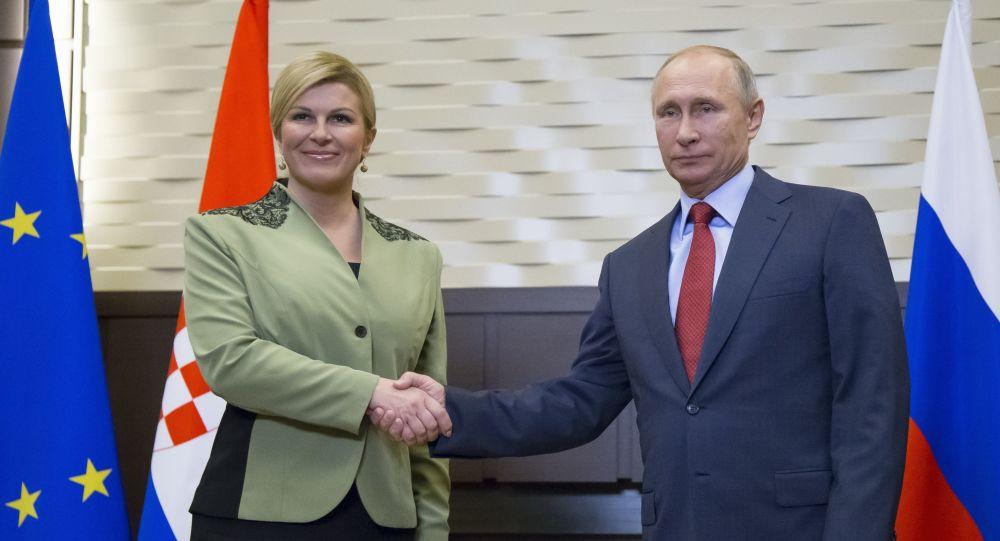 الرئيس فلاديمير بوتين و الرئيسة الكرواتية كوليندا غابور كيتاروفيتش