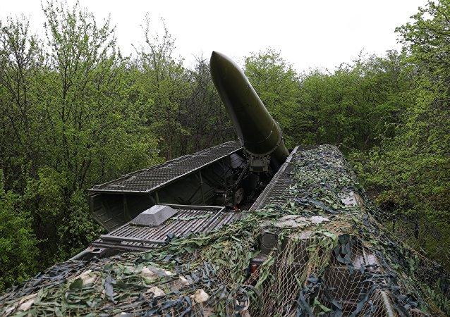 قاذف صواريخ إسكندر