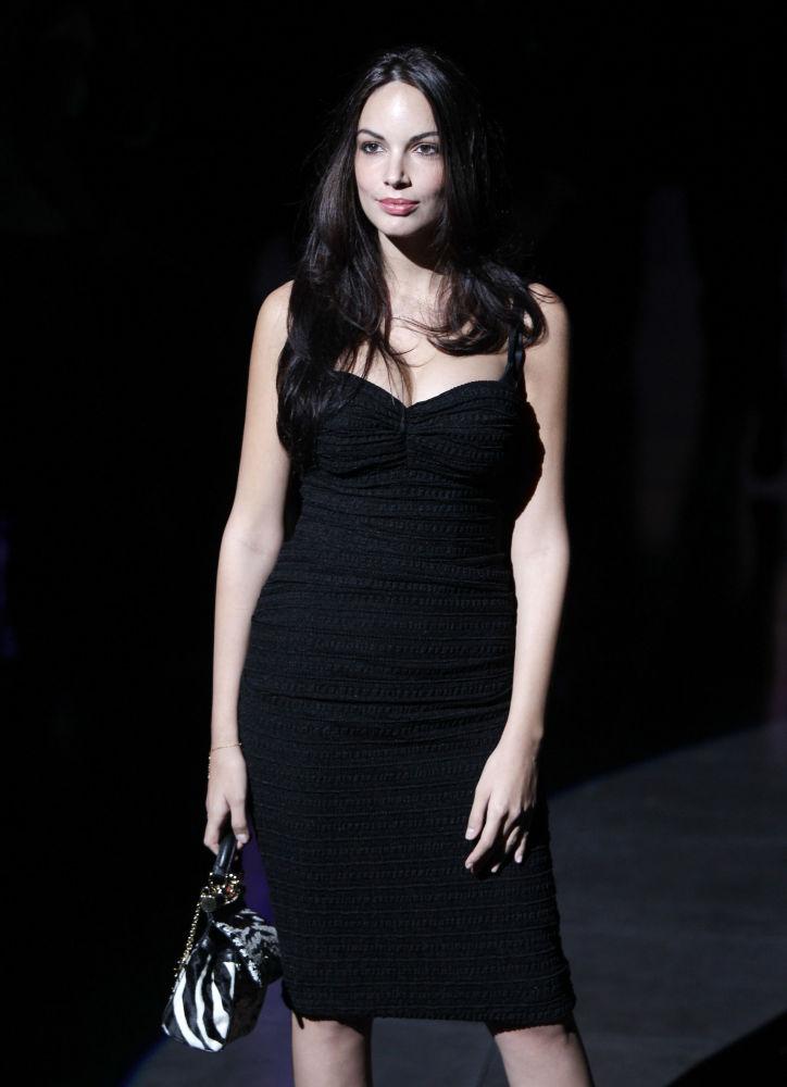 المملثة الإيطالية ميكيلا كفاتروتشوكي خلال حضورها لعرض أزياء أسبوع الموضة لدار أزياء Dolce & Gabbana  في ميلانو، إيطاليا 25 سبتمبر/ أيلول 2011