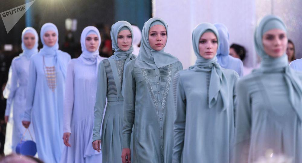 24a3393767fff افتتاح أول معهد للأزياء الإسلامية في إندونيسيا - Sputnik Arabic