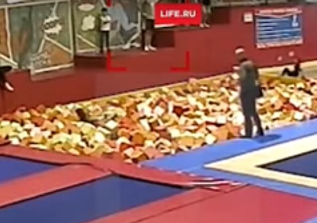 نائب يقفز قفزة مميتة في روسيا