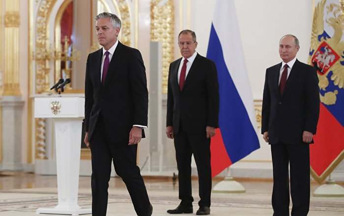 السفير الأمريكي لدى موسكو: الغموض يلف مصير آخر معاهدة نووية بيننا وبين روسيا