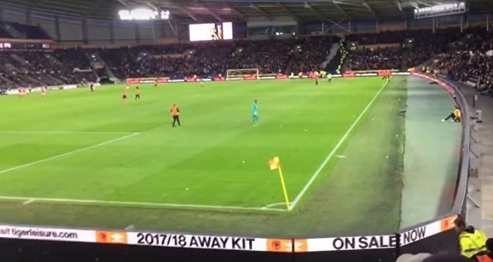 إيقاف مباراة في الدوري الانكليزي