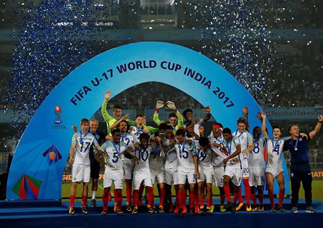 تتويج المنتخب الانكليزي بكأس العالم للناشئين