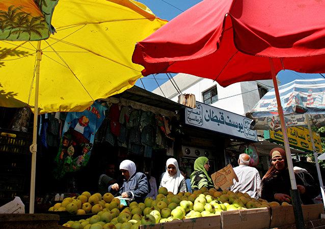 سوق في بيروت