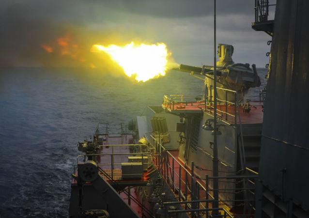 مناورات لأسطول بحر قزوين - إطلاق نار من مدفعية بالاش المضادة للطائرات