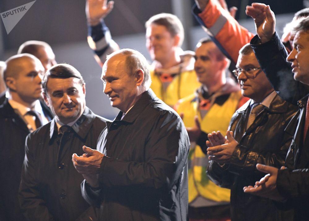الرئيس الروسي فلاديمير بوتين أثناء زيارة عمل إلى مدينة سان بطرسبورغ، روسيا 14 أكتوبر/ تشرين الأول 2017