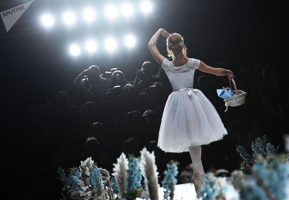 عرض أزياء أسبوع الموضة مارسيدس بينز في موسكو، روسيا 21 أكتوبر/ تشرين الأول 2017