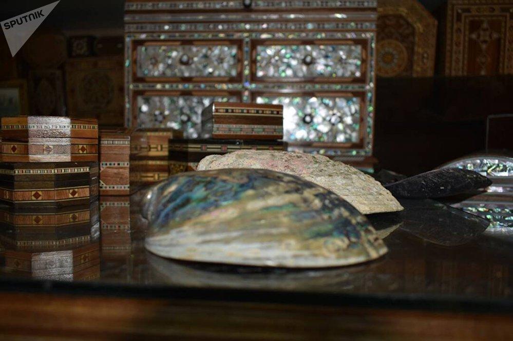 صناعة الصدف التراثية  لم يطالها غبار الحرب في سورية