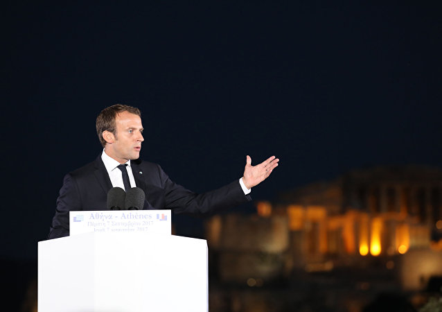 الرئيس الفرنسي ماكرون في اليونان