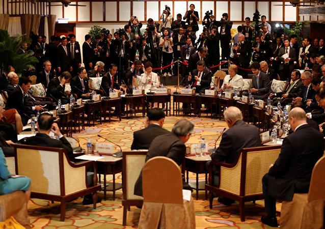 قمة منتدى التعاون الاقتصادي لدول آسيا والمحيط الهادئ إبيك في دانانغ الفيتنامية.