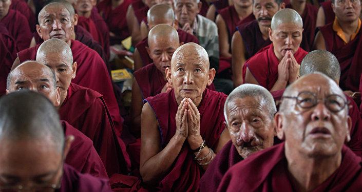 رهبان بوذيين