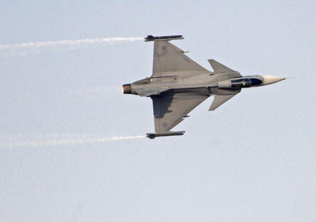 معرض دبي الجوي-الفضائي الدولي لعام 2017 (Dubai Airshow 2017) - مقاتلة سويدية Saab JAS 39 Gripen