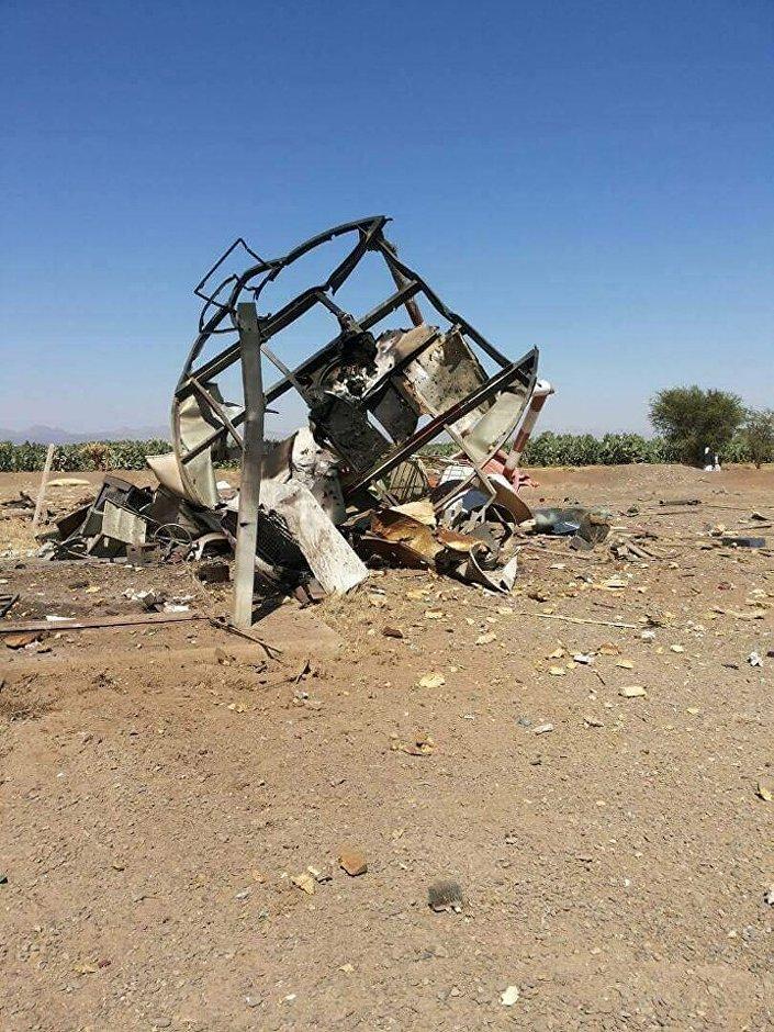 قصف مطار صنعاء