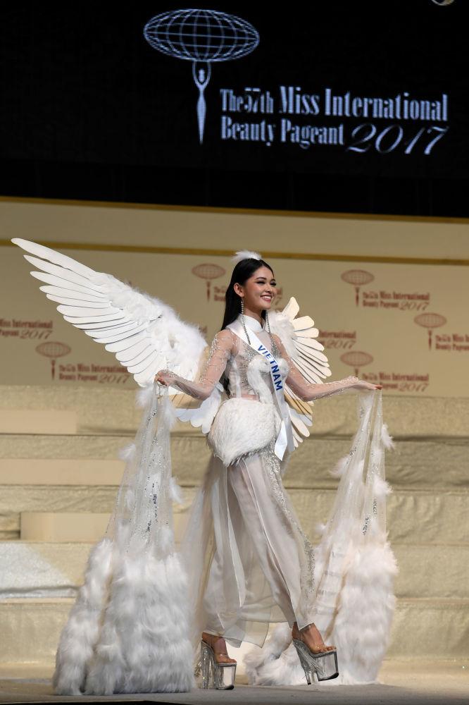 ملكة جمال ميس انترناشنال 2017 في طويكيو، اليابان 14 نوفمبر/ تشرين الثاني 2017 - ممثلو الفيتنام هيونه ثي ثوي دانغ