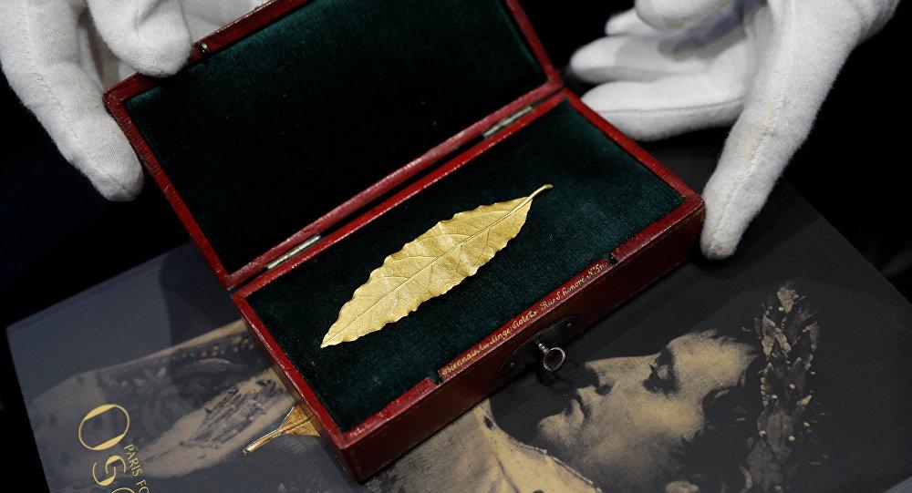 ورقة غار ذهبية من تاج نابليون